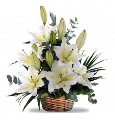 gül lilyum ve lisyantus Sepette Beyaz Lilyumlar